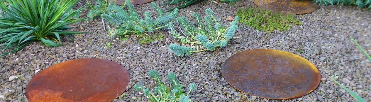 Waarom stapstenen in je tuin leggen? - cortenstalen producten